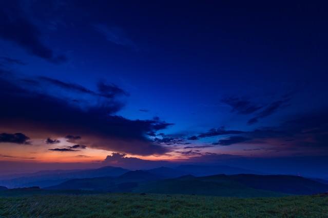 八島湿原の夕暮れの写真