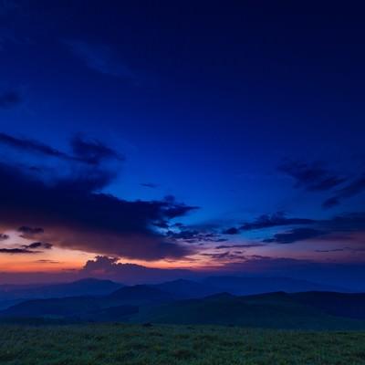 「八島湿原の夕暮れ」の写真素材