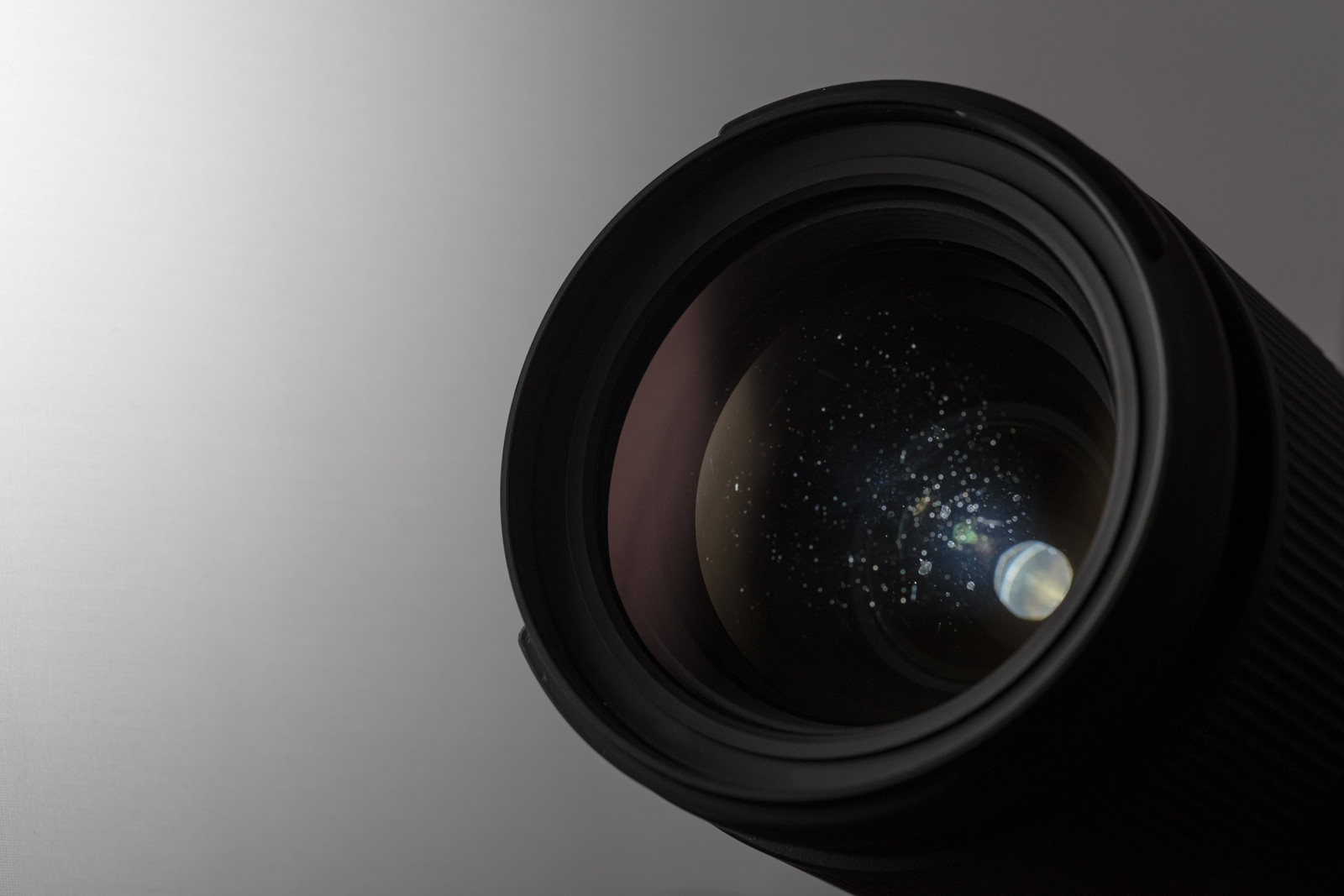 「レンズの水滴痕が影響」の写真