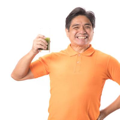 「青汁が大好きなスマイル父さん」の写真素材