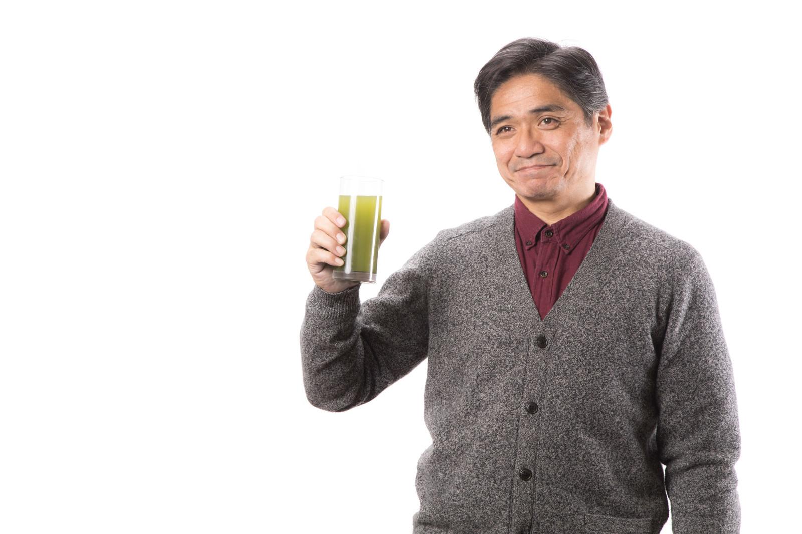 「青汁飲んでますか?」の写真[モデル:よたか]