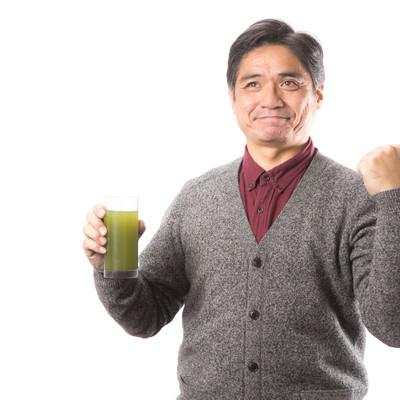 「清々しい表情で青汁健康生活」の写真素材