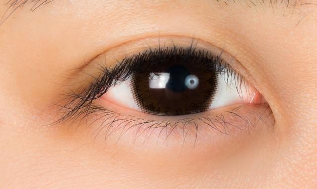 カラコンを入れた目の写真