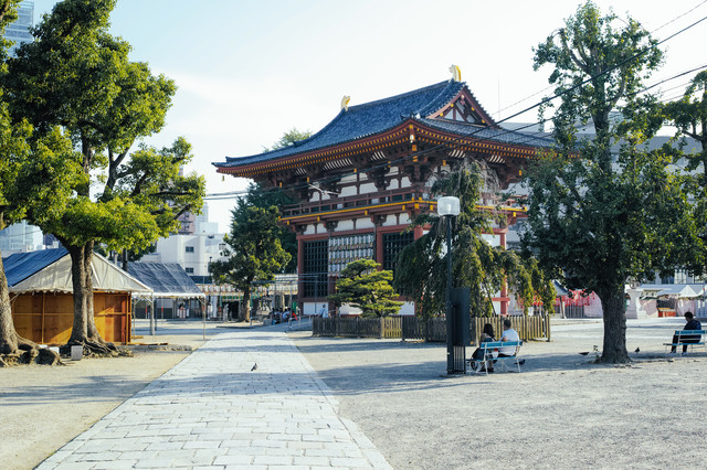 聖徳太子建立の四天王寺の写真