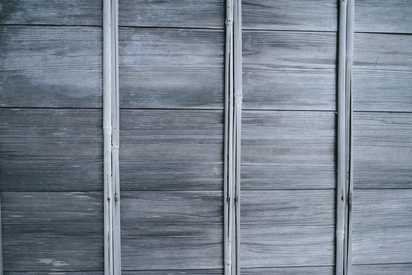 「木材で組み立てられた壁(テクスチャ)」の写真
