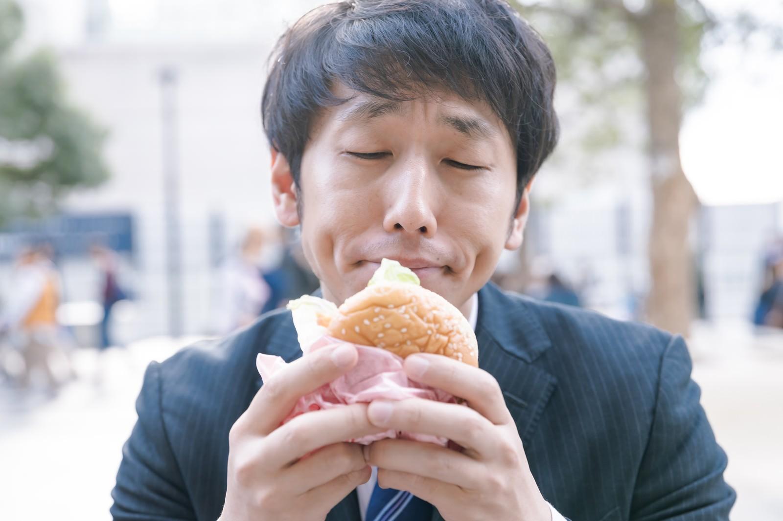 「ジャンクフード大好きっ子」の写真[モデル:大川竜弥]