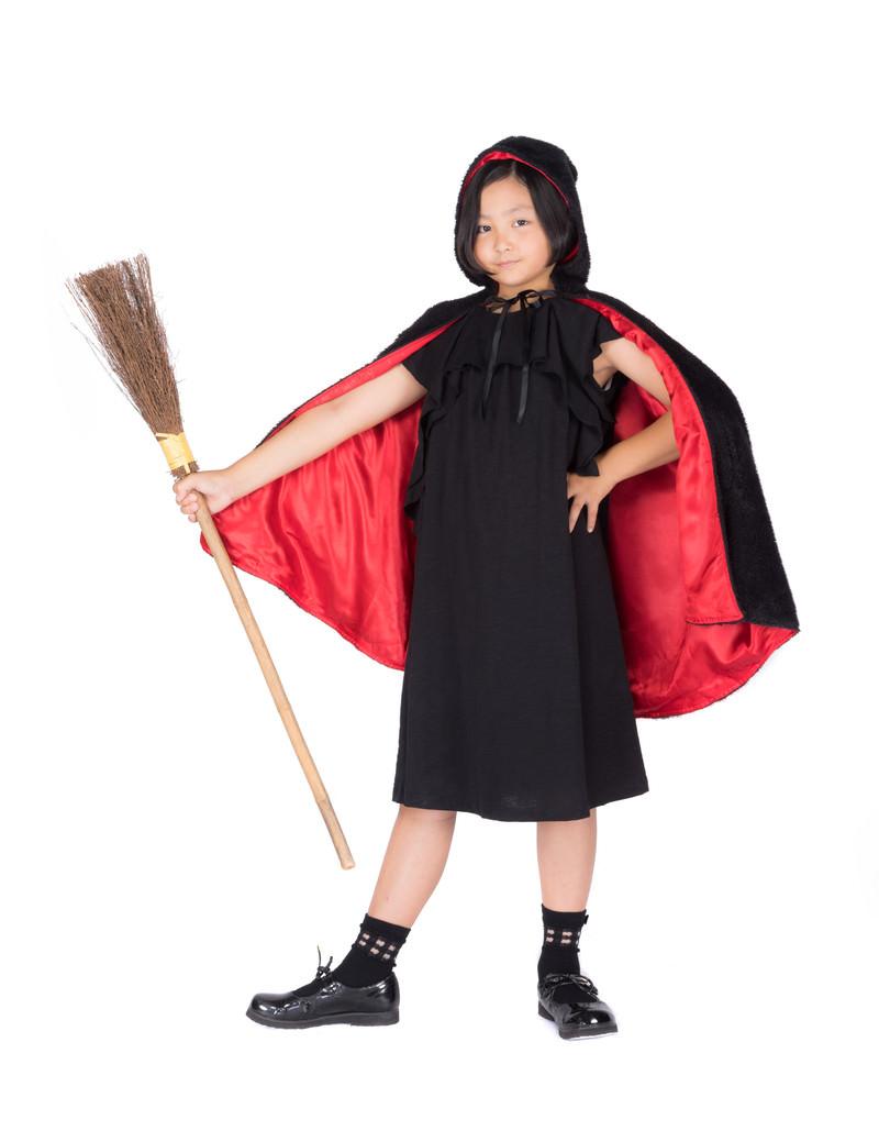 「なりきり魔女っ娘仮装(ハロウィン)」の写真[モデル:ゆうき]