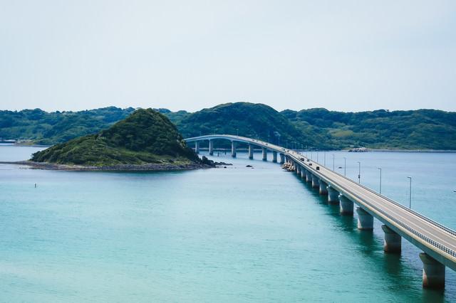 角島大橋を南側展望台から撮影の写真