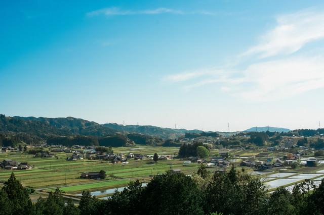 農村景観の春(岐阜県恵那市岩村町富田地区)の写真