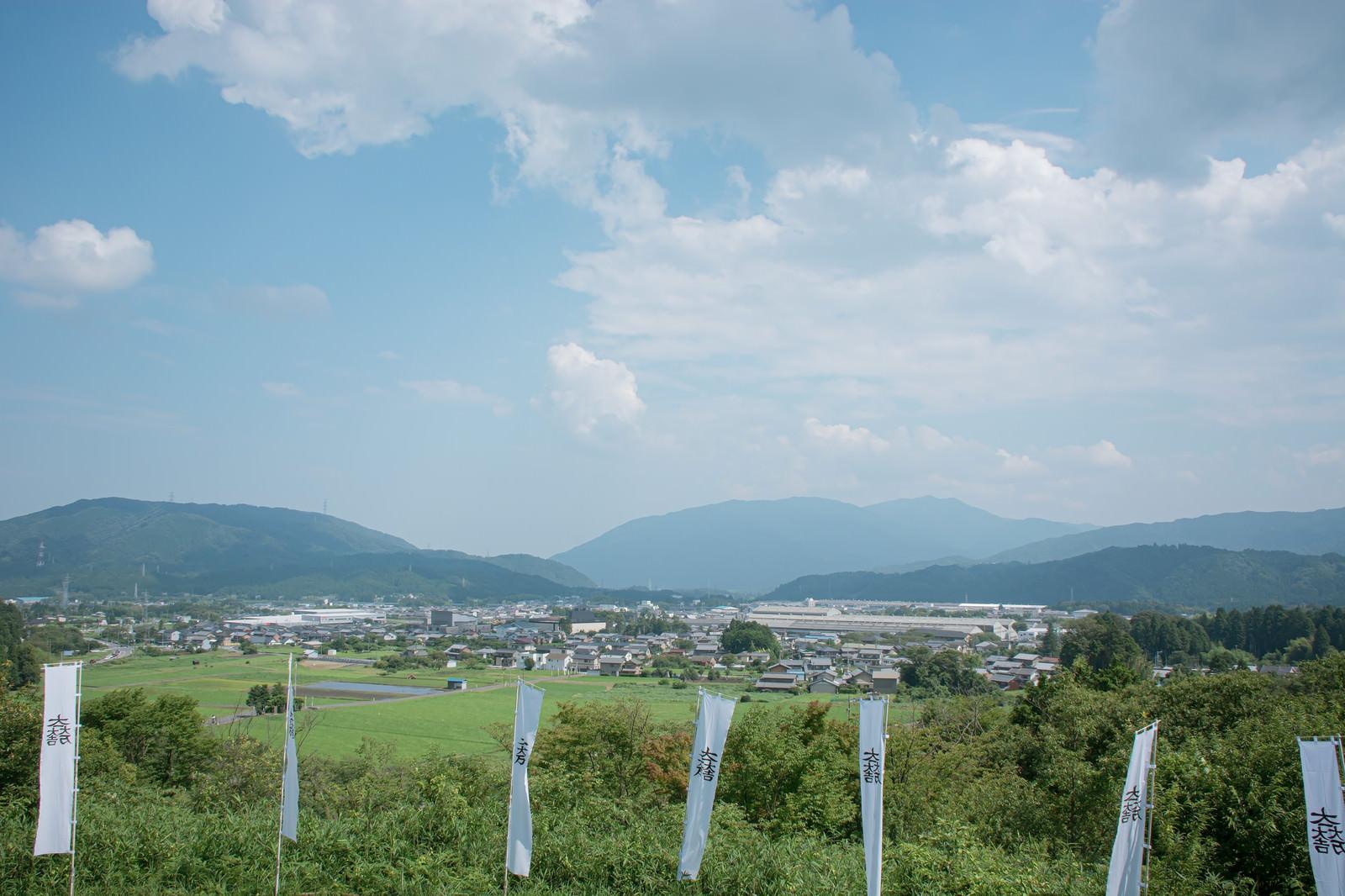 「笹尾山展望デッキから見える現在の関ケ原の様子」の写真